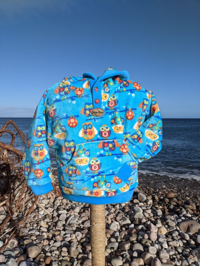 Hooded Button Top bright owl