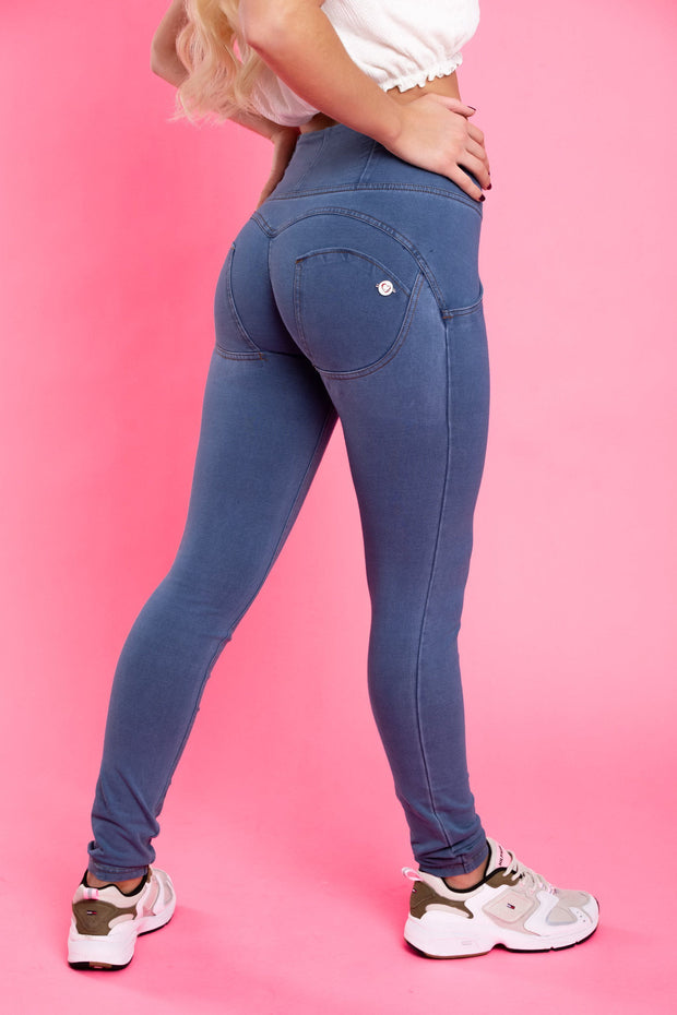 Hugz light denim jeans