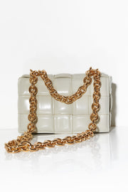 Quilted shoulder bag with chunky chain Cream