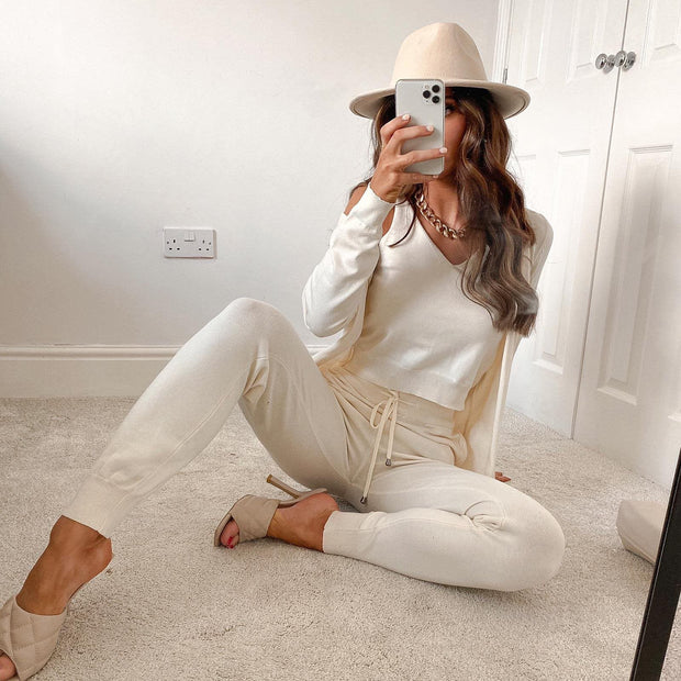 Cream knitted 3-piece set