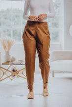 Load image into Gallery viewer, TAPERED PLEATED PANT