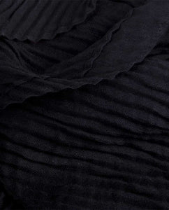 BLACK PLEAT SCARF