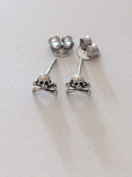 Skull Stud Earrings W H I T E T R A S H C H A R M S