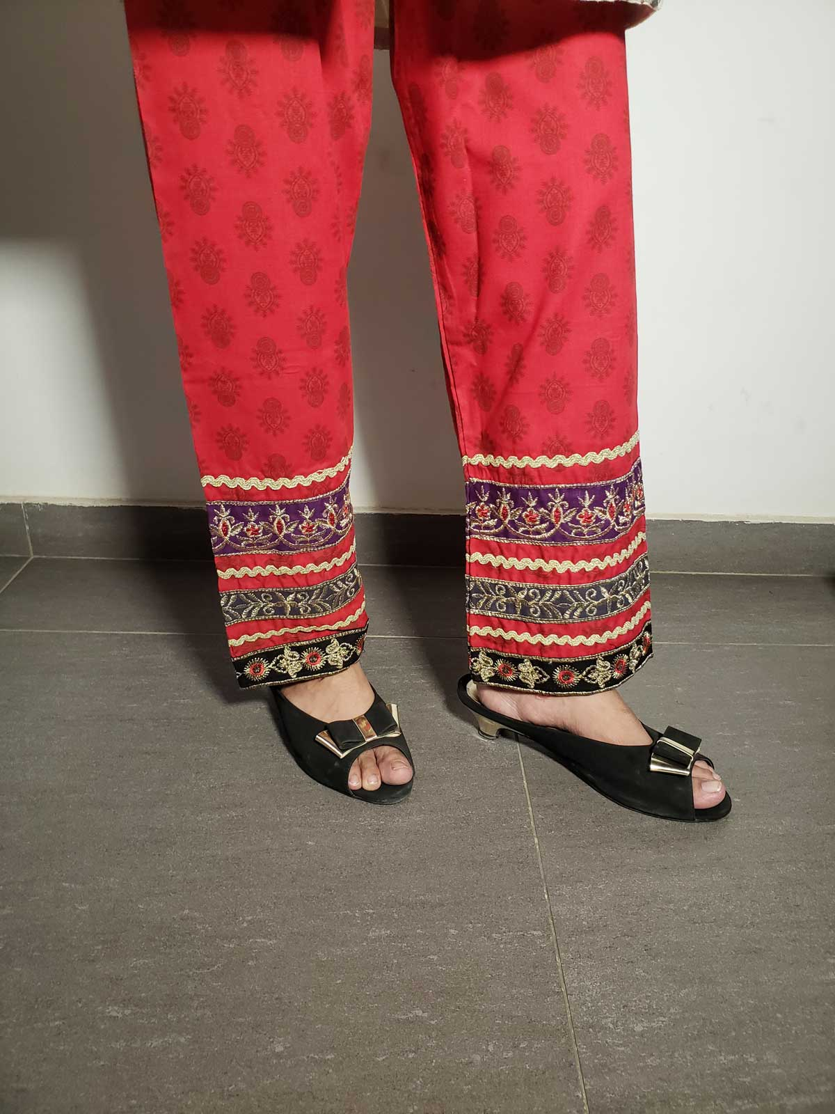 embroidered trouser-2110 red