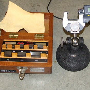 Dimensional measuring instrument