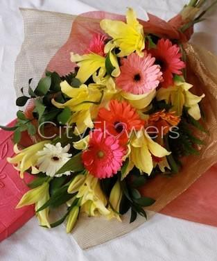 DIGNIFIED LOVE flowers CityFlowersIndia