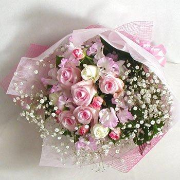 Pretty Bloom Bouquet flowers CityFlowersIndia