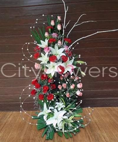 A STANDING GESTURE OF LUXURIOUS FLOWERS flowers CityFlowersIndia