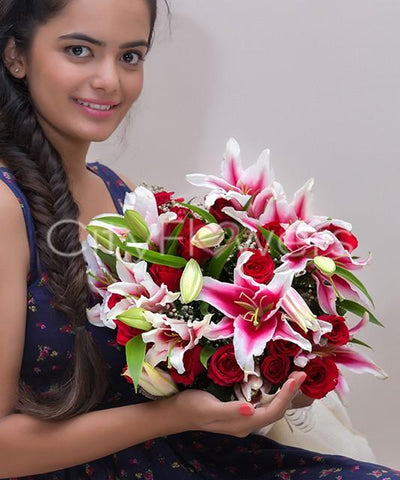 RED AND PINK ELEGANCE flowers CityFlowersIndia