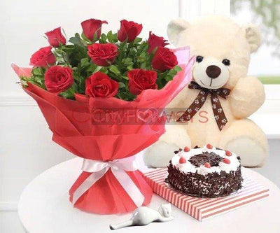 LOVE SURPRISE WITH CAKE AND TEDDY flowers CityFlowersIndia