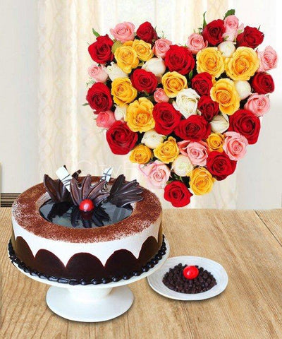 DELIGHTFUL CAKE WITH HEART SHAPE ARRANGEMENT flowers CityFlowersIndia