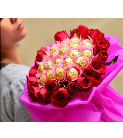 Yummy And Roses Bouquet flowers CityFlowersIndia