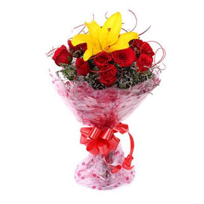 Friendly Love Bouquet flowers CityFlowersIndia