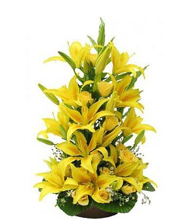 Amber Thoughts Basket Arrangement flowers CityFlowersIndia