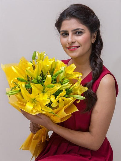 Enchanting Bright Bouquet flowers CityFlowersIndia