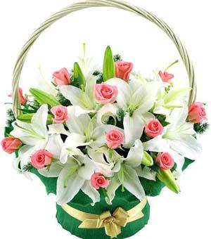 Love in Bloom Basket flowers CityFlowersIndia