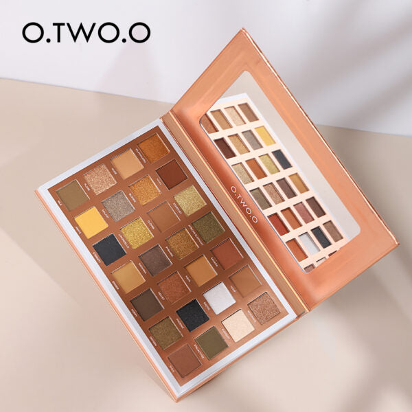 O.TWO.O 28 COLORS EYESHADOW PALETTE