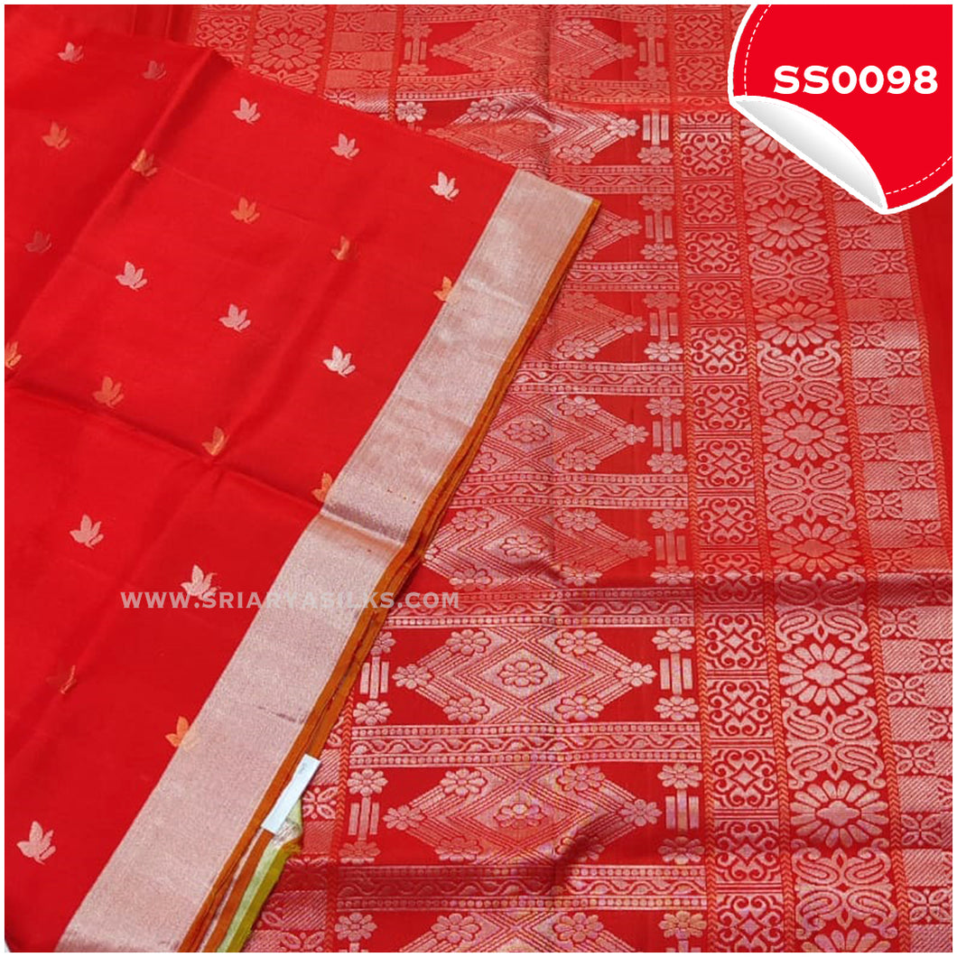 Chilli Red kanchivaram soft silk saree with silver tissue border and border butta1