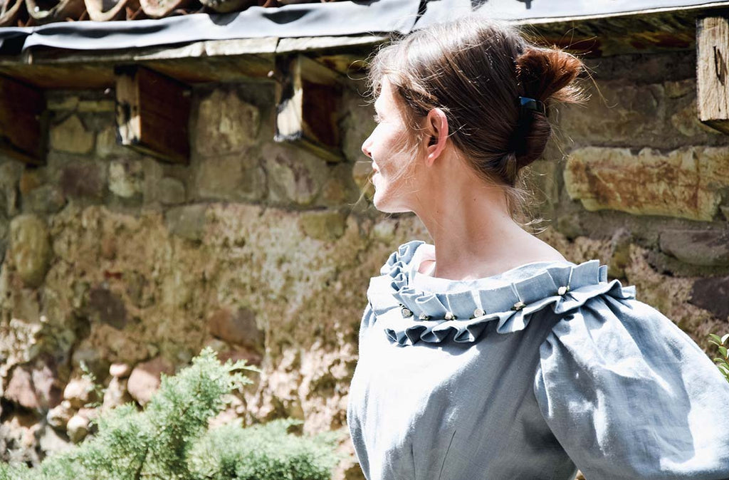 Atelier Serraspina, Early Victorian gown in almond linen