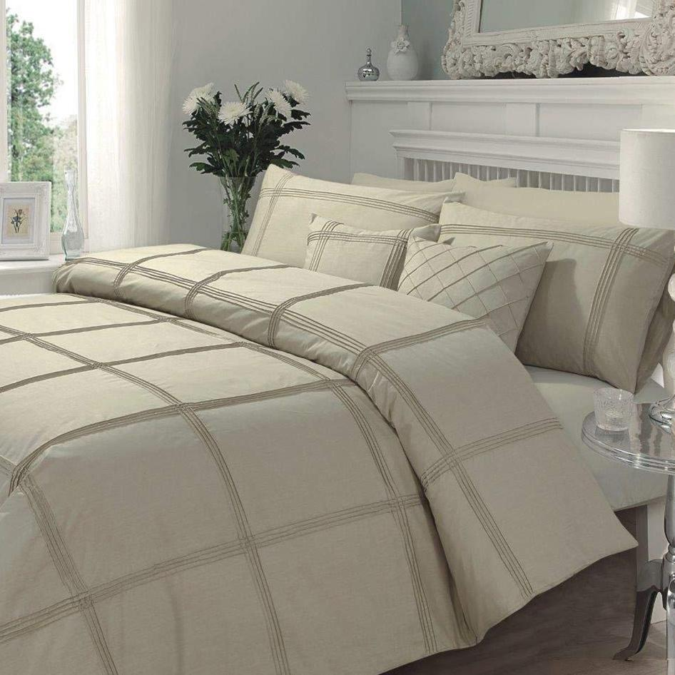 Lattee Pleated Duvet Set