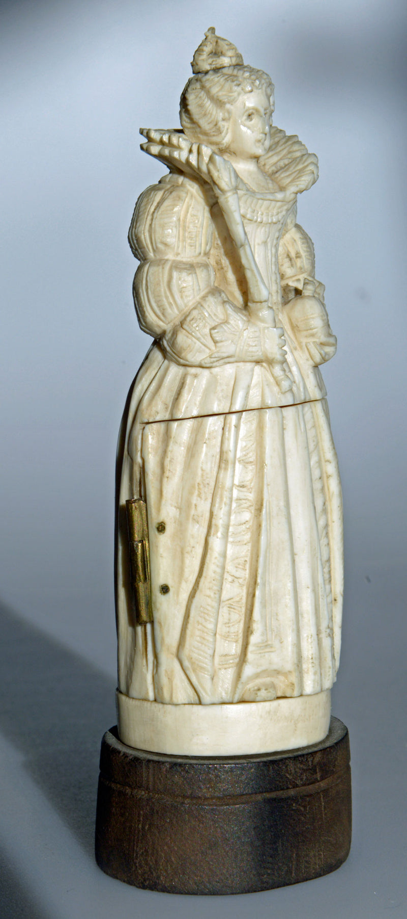 Antique Dieppe ivory triptych carving of Queen Elizabeth