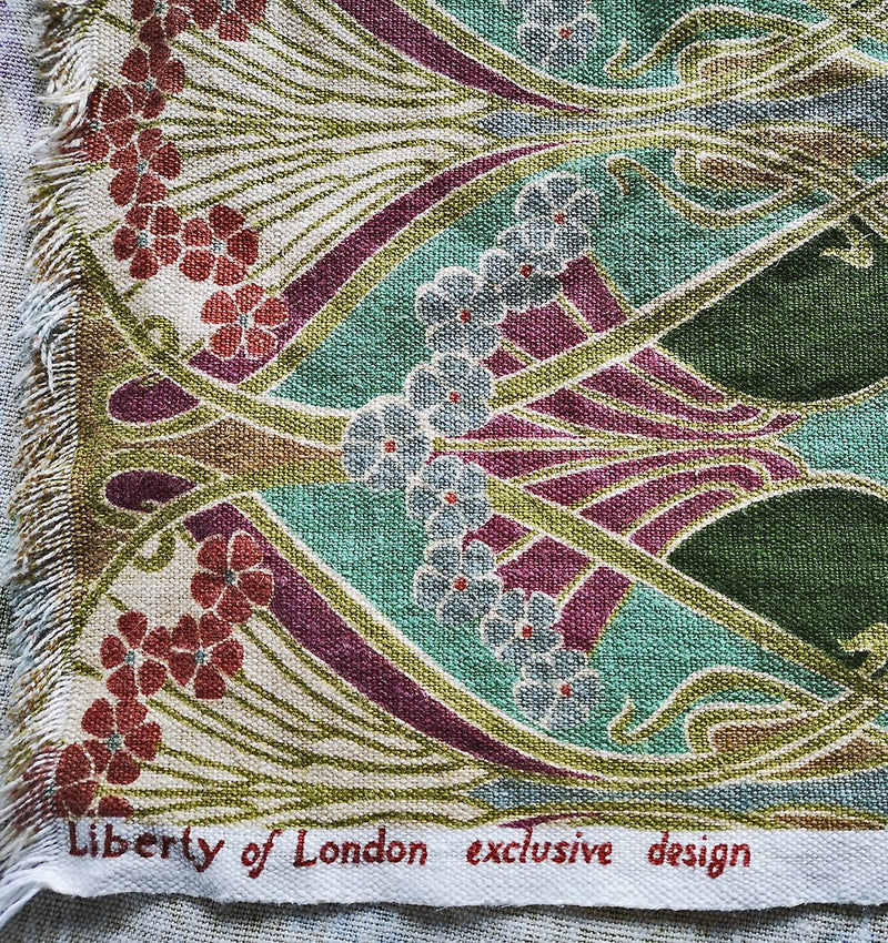 dupion silk, foldover bag, tarot pouch, tarot bag, baba studio tarot, vintage, dupion silk, liberty print, vintage, linen, Ianthe print, Liberty of London, william morris print