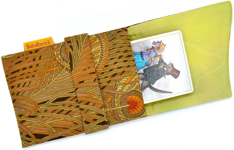 Vintage Hera Liberty print tarot pouch lined in pure silk, limited edition Baba Studio tarot bag.