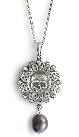 Memento Mori — Sterling silver pendant with black pearl