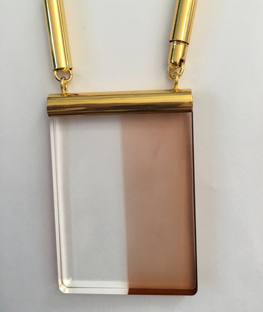 The Eleanor Lucite Necklace in Brown