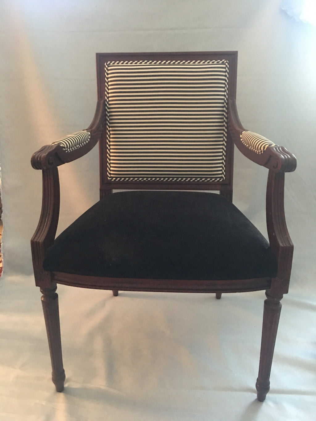 Pair of Federal arm chairs