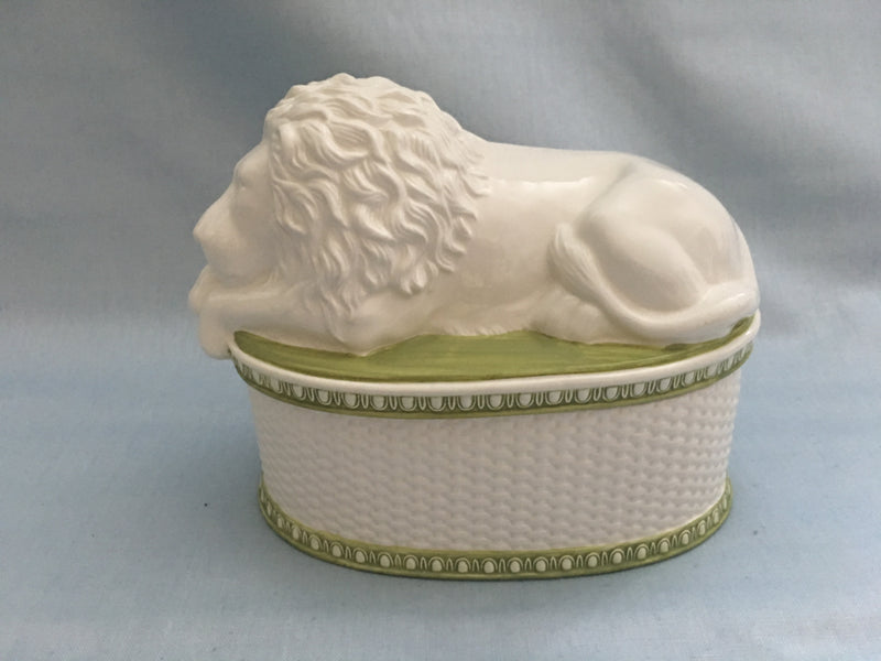 Classical Porcelain Lion Tureen