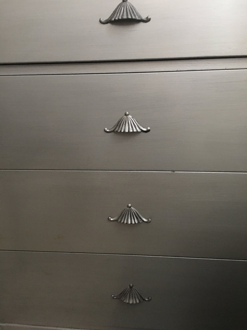 Neoclassical Chest of Drawers in Silver Metallic