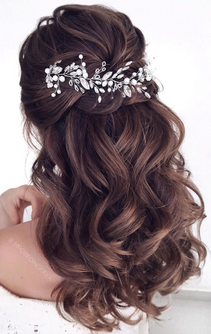 romantic curls hairstyle for long hair asian bridal
