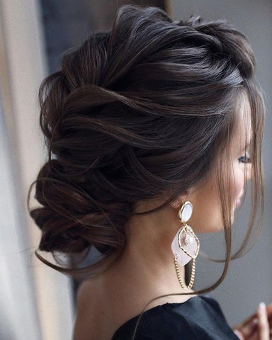 romantic textured hairstyle for long hair