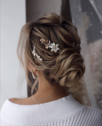 romantic hairstyle for long hair asian bridal