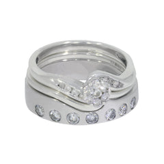 shaped-diamond-wedding-band