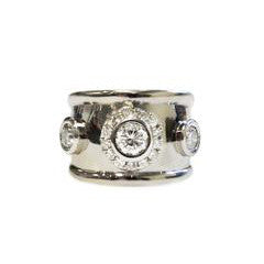 raised-collet-diamond-ring