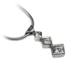 three-princess-cut-diamond-necklace