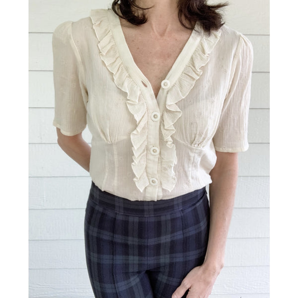 Annah Stretton Ruffled Short Sleeve Blouse - Size: Medium -