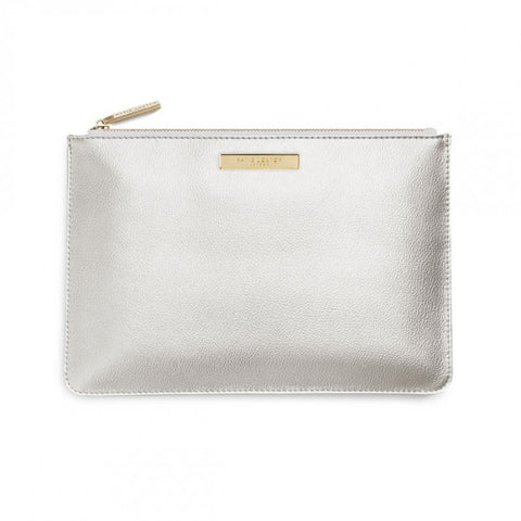 SOFT PEBBLE PERFECT POUCH | METALLIC SILVER