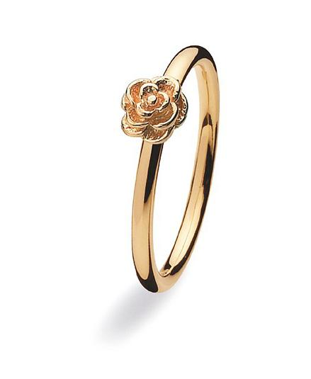 9 carat gold ring with gold flower setting