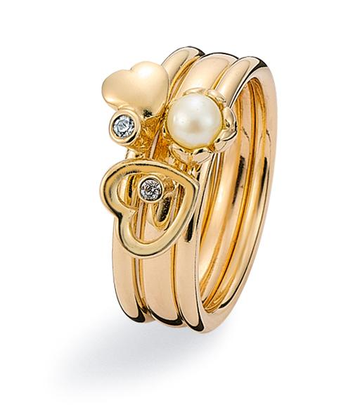 9ct gold ring combination featuring cubic zirconias and freshwater pearl
