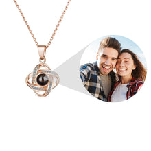 Load image into Gallery viewer, CLOVER PROJECTION NECKLACE
