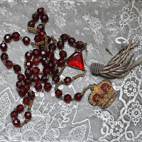Crown Necklace - Burgundy with large beads