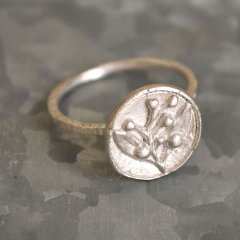 Dear Swallow Olive Ring