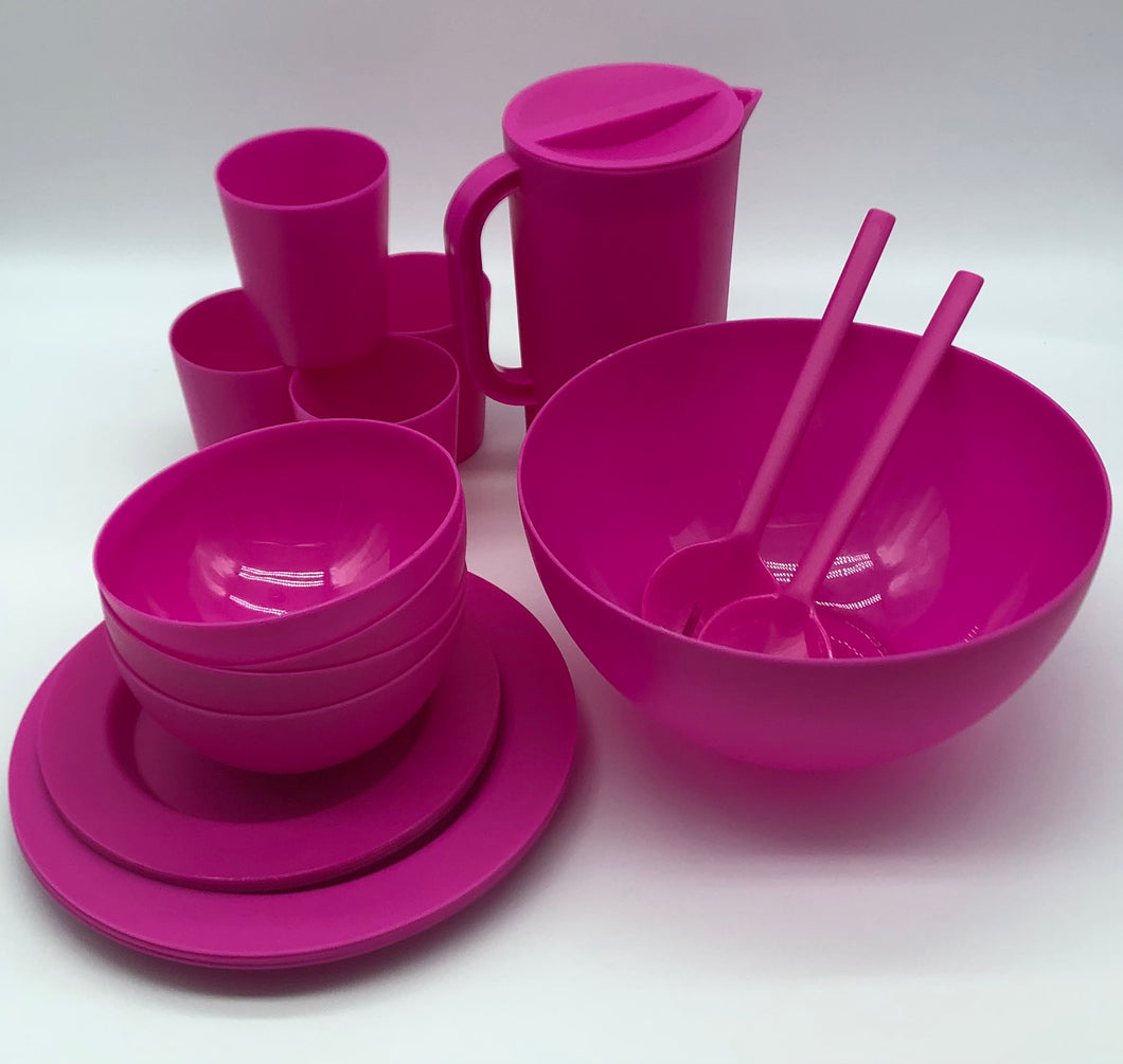 Set of 4  Dining Set - ChorusHome products are specially formulated to enhance biodegradation in landfill conditions and are 100% recyclable. Unbreakable, Eco Friendly, BPA Free, Dishwasher and Microwave Safe. Perfect for indoor, outdoor and boating party