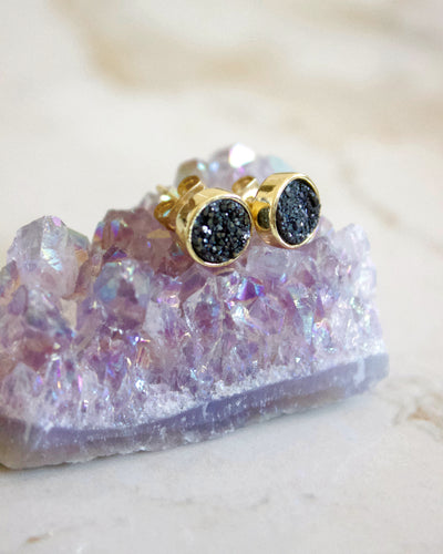 24KT Gold Plated 8mm Druzy Stud Earrings in Midnight - Babe Outfitters
