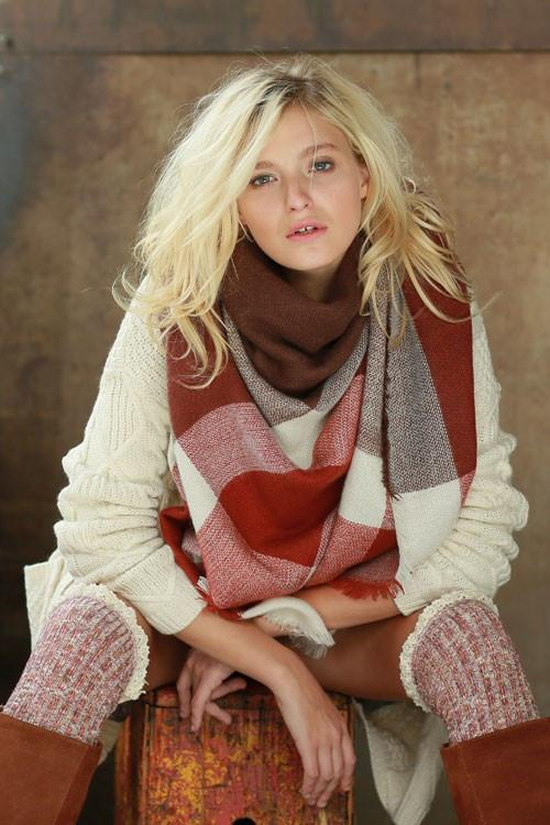 Autumn Warmth Blanket Scarf (Rust Color Block)