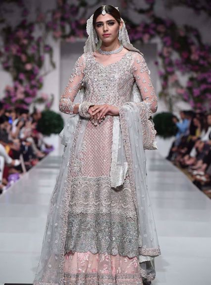 Zainab Chottani Savannah rose Runway Collection 2020