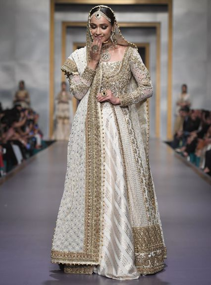 Zainab Chottani Dastaan Runway Collection 2020